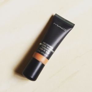 REVIEW-MAC PRO LONGWEAR NOURISHING WATERPROOF FOUNDATION NW45.